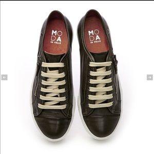 Moda in Pelle leather sneakers